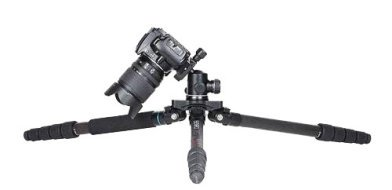 Ground level tripod for macro photography
