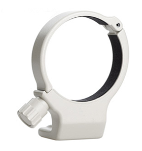 Lens collar mount ring mounts to monopod
