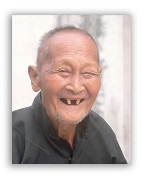 Picture of a smiling elderly man