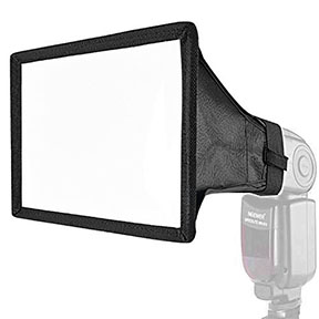 Flashgun diffuser for macro photography