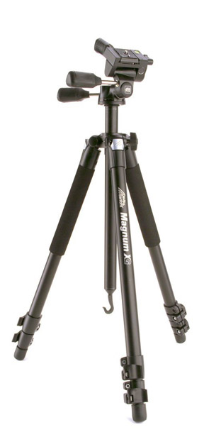 Pan and tilt tripod