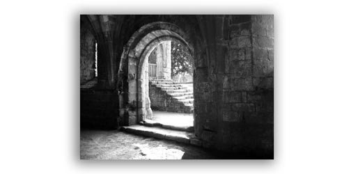Black and White Photo of an Arch