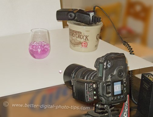 Set-up using flash as the macro photography lighting